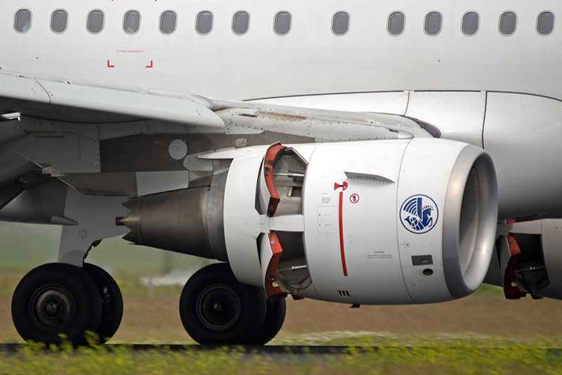 Thrust reversers deployed on the CFM56 engine of an Airbus A320