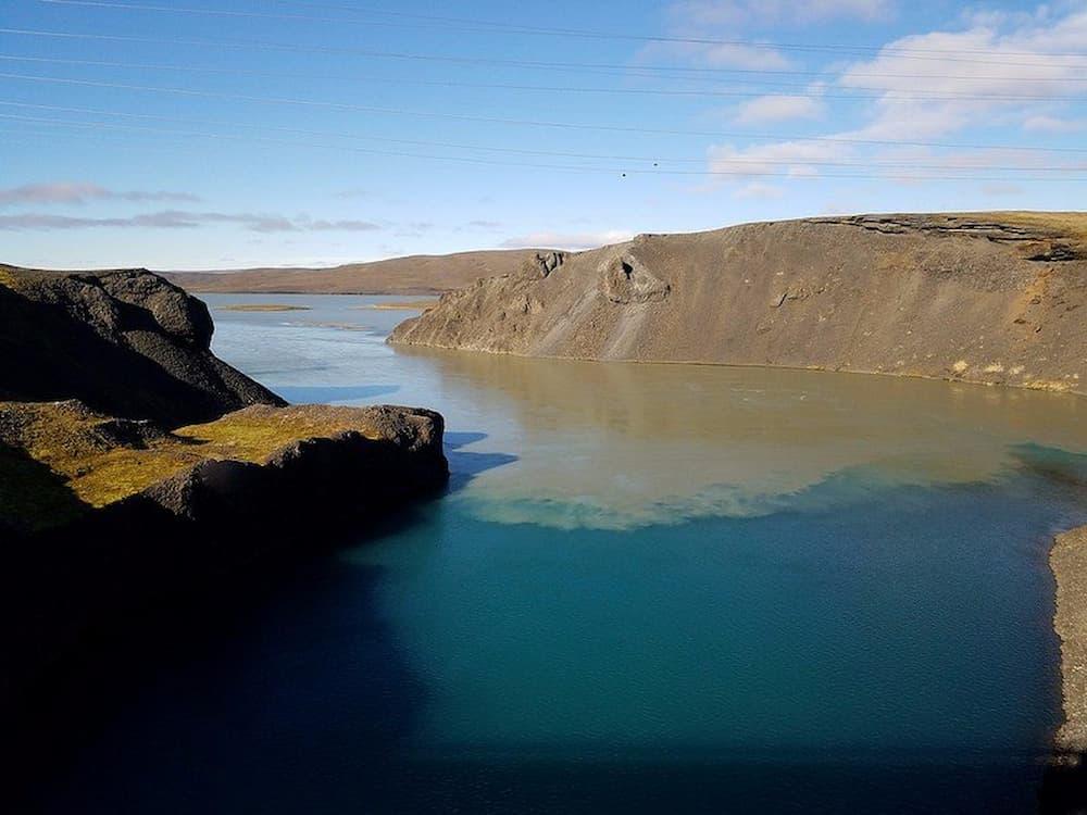 Mixing glacial water