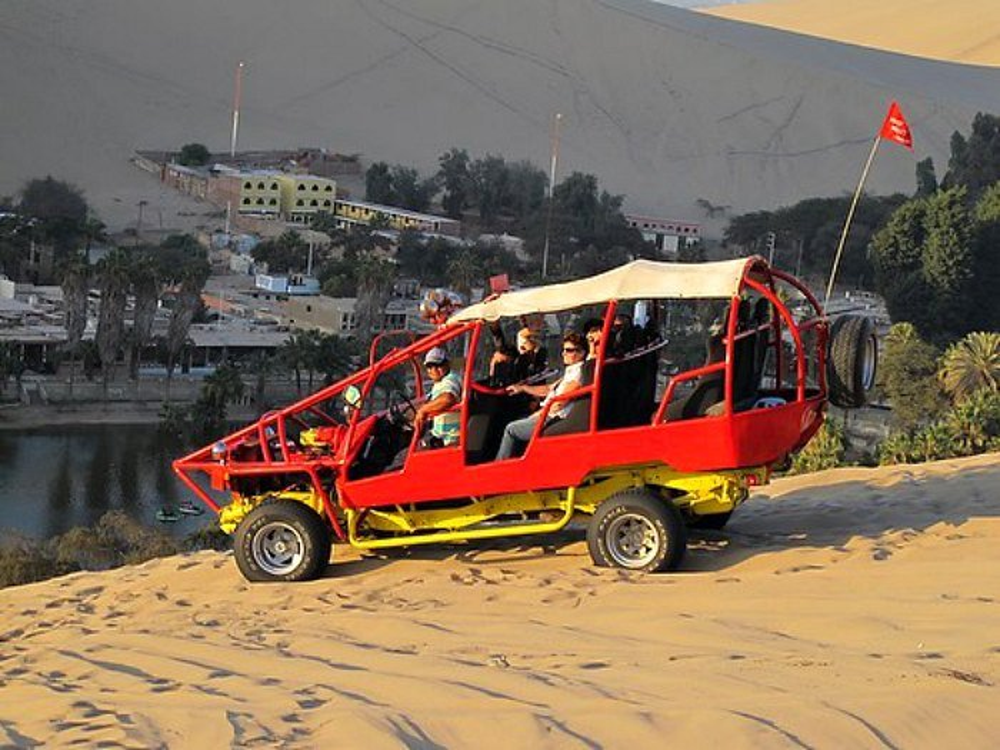 Dune buggy full of people