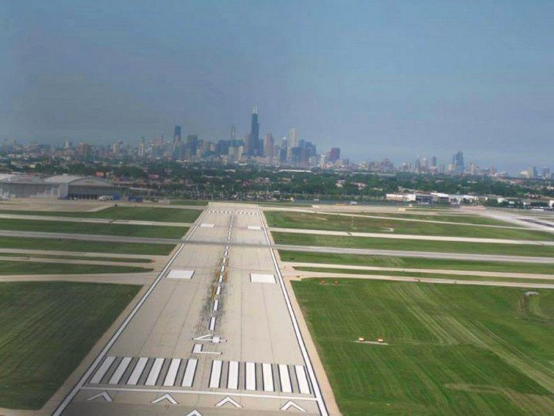 Final Approach to Chicago's Midway Airport