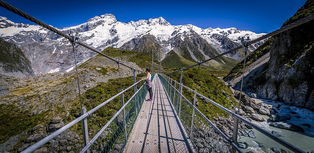 Bridge crossing on the Hooker Valley track