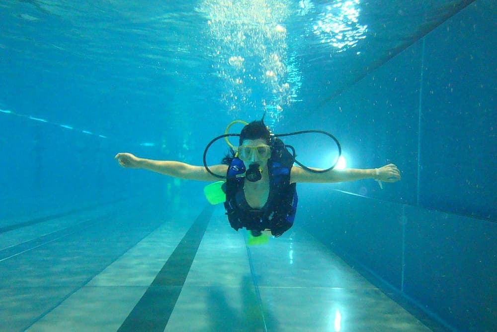 Diving in a swimming pool