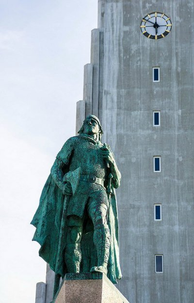 Statue of Leif Eriksson