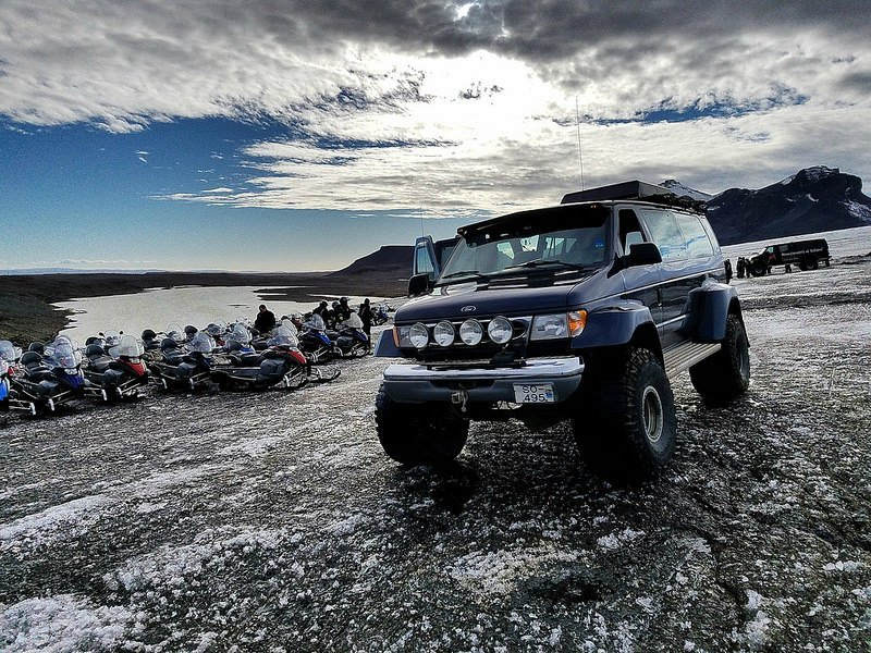 Mountaineers of Iceland super jeep